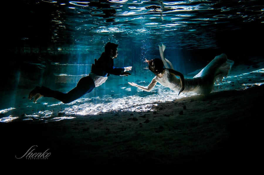 11-underwater-after-wedding-photo-session-in-cenote-1