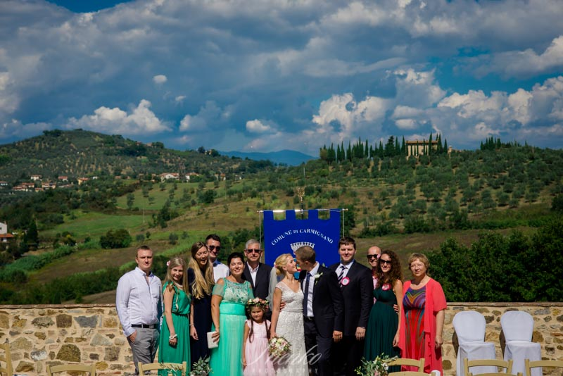 rustic wedding in tuscany paradise