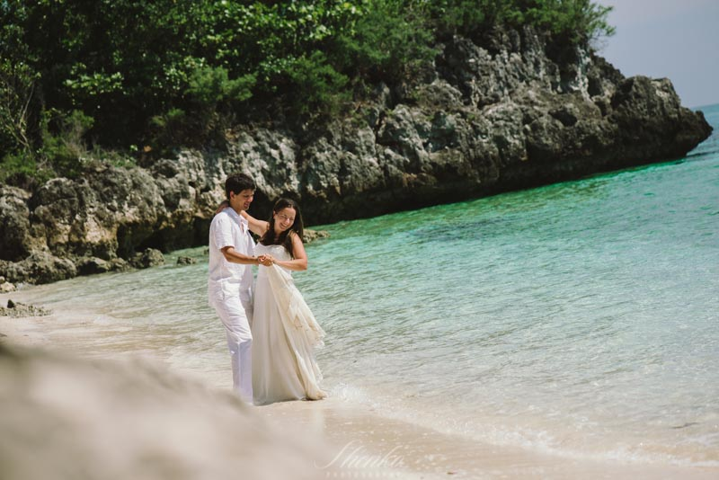 wpid3456-Malapascua-lovestory-photo-session-at-philippines-7.jpg