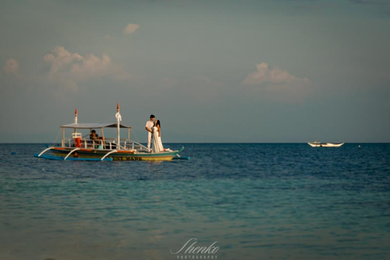 photo session at the boat in philippines day after wedding