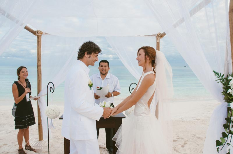 sweet wedding photo session at esencia hotel tulum