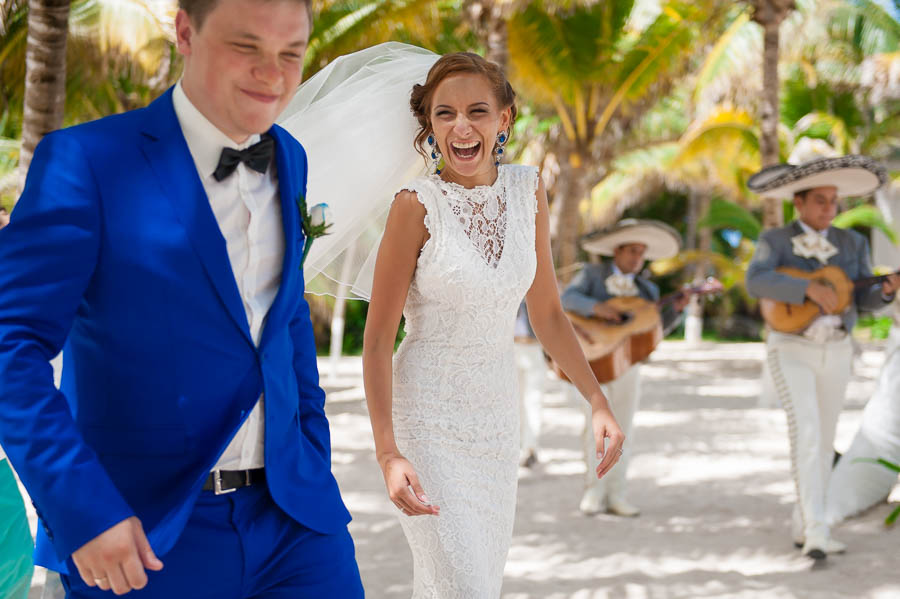 Intimate wedding at Playa del Secreto, Mexico