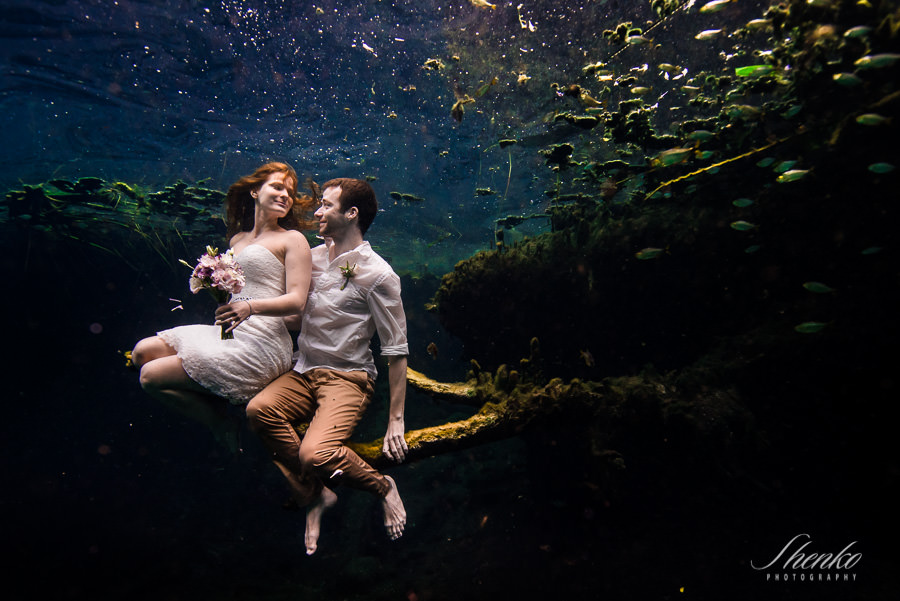 Underwater trash the dress in Tulum. Janina + Sven