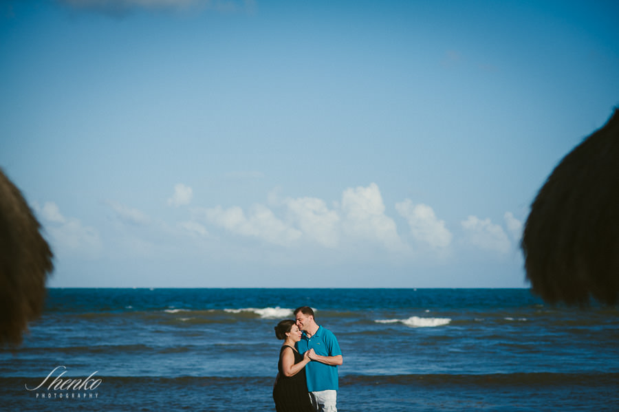 Beautiful pre wedding photo session at Azul Sensatori for J & G