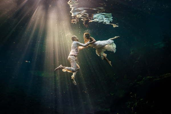 Underwater photo session for two in tulum mexico