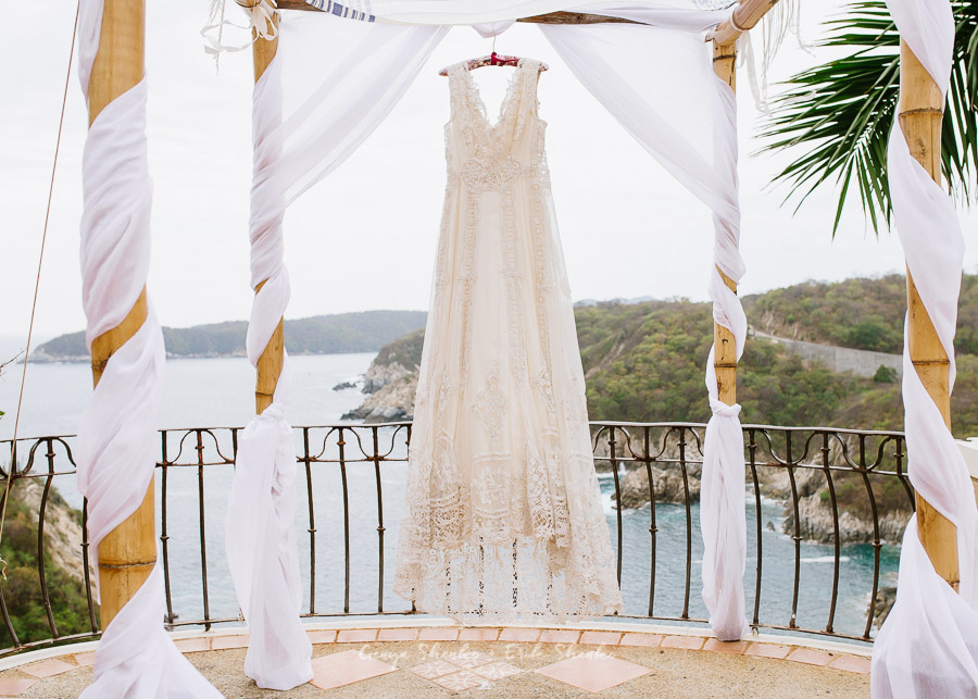 vintage wedding dress at las palmas resort in huatulco