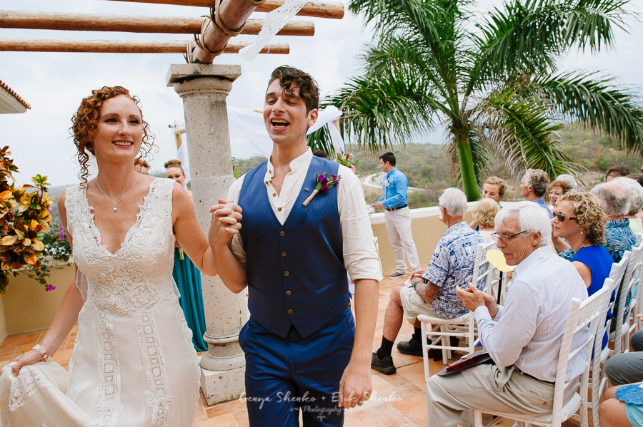 Emotional-and-fun-wedding-at-las-palmas-huatulco-playa-violin-29