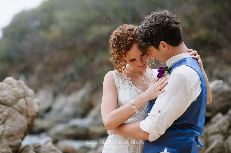 Emotional-and-fun-wedding-at-las-palmas-huatulco-playa-violin-33