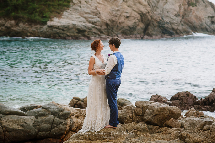 Emotional-and-fun-wedding-at-las-palmas-huatulco-playa-violin-34