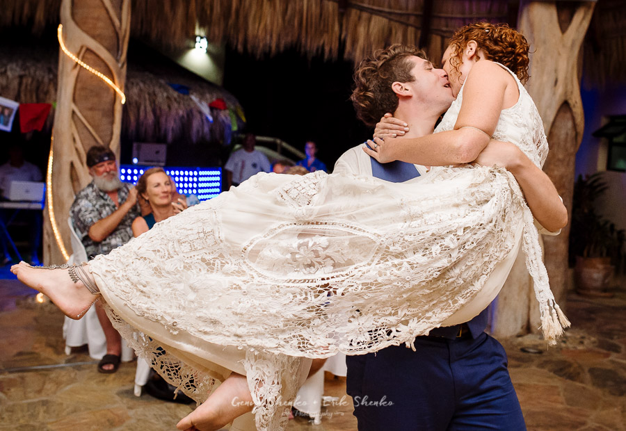 Emotional-and-fun-wedding-at-las-palmas-huatulco-playa-violin-39