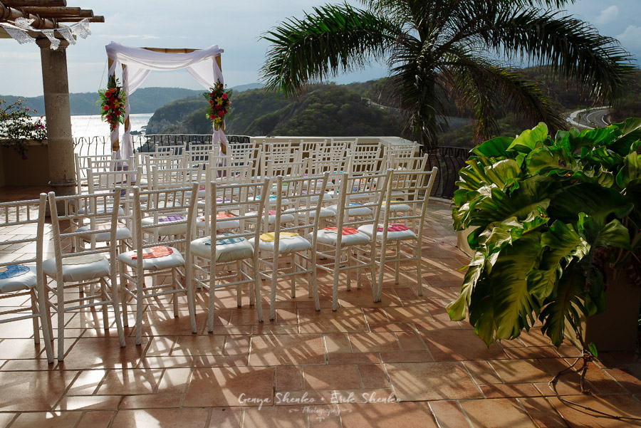 Emotional-and-fun-wedding-at-las-palmas-huatulco-playa-violin-8