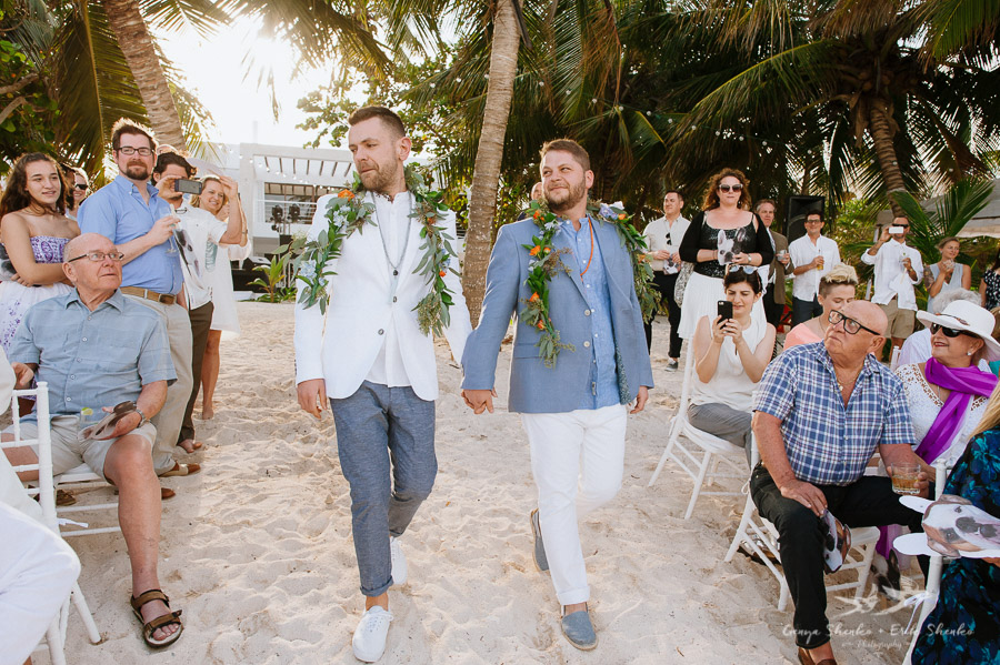 Same-sex-destination-wedding-akumal-mexico-13