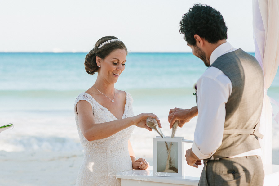 Beach-wedding-at-playa-del-carmen-grand-coral-beach-club-fantastic-25