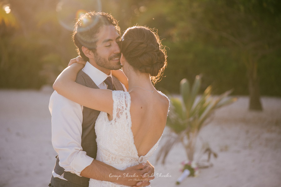 Beach-wedding-at-playa-del-carmen-grand-coral-beach-club-fantastic-36