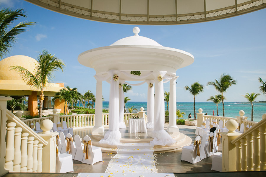 Destination-wedding-in-mexico-Barcelo-Maya-1-2