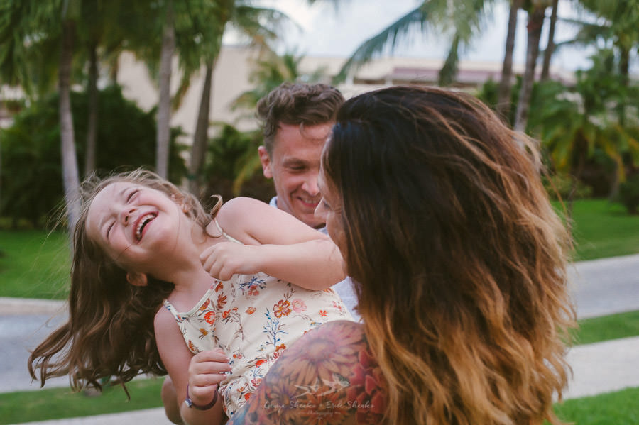 family-pre-wedding-photo-session-at-moon-palace-cancun-mexico-9