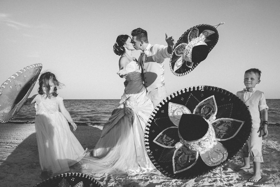small family wedding at the beach in mexico